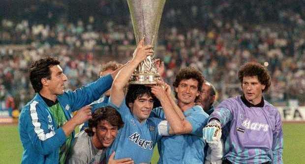 Solo tre volte il Napoli ha rimontato in Europa, l'ultima con la Juventus nel 1989