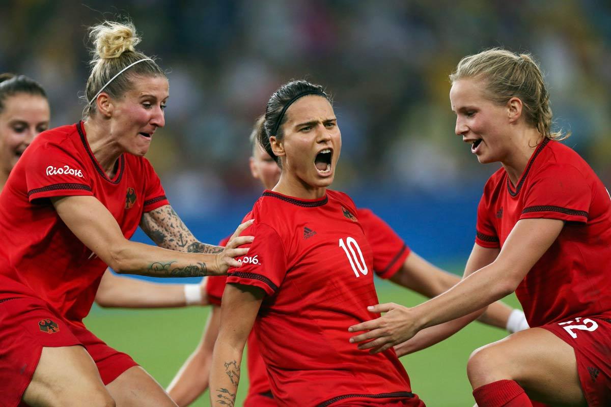 Alla Germania le Olimpiadi di calcio femminile. Il Brasile fuori dal podio