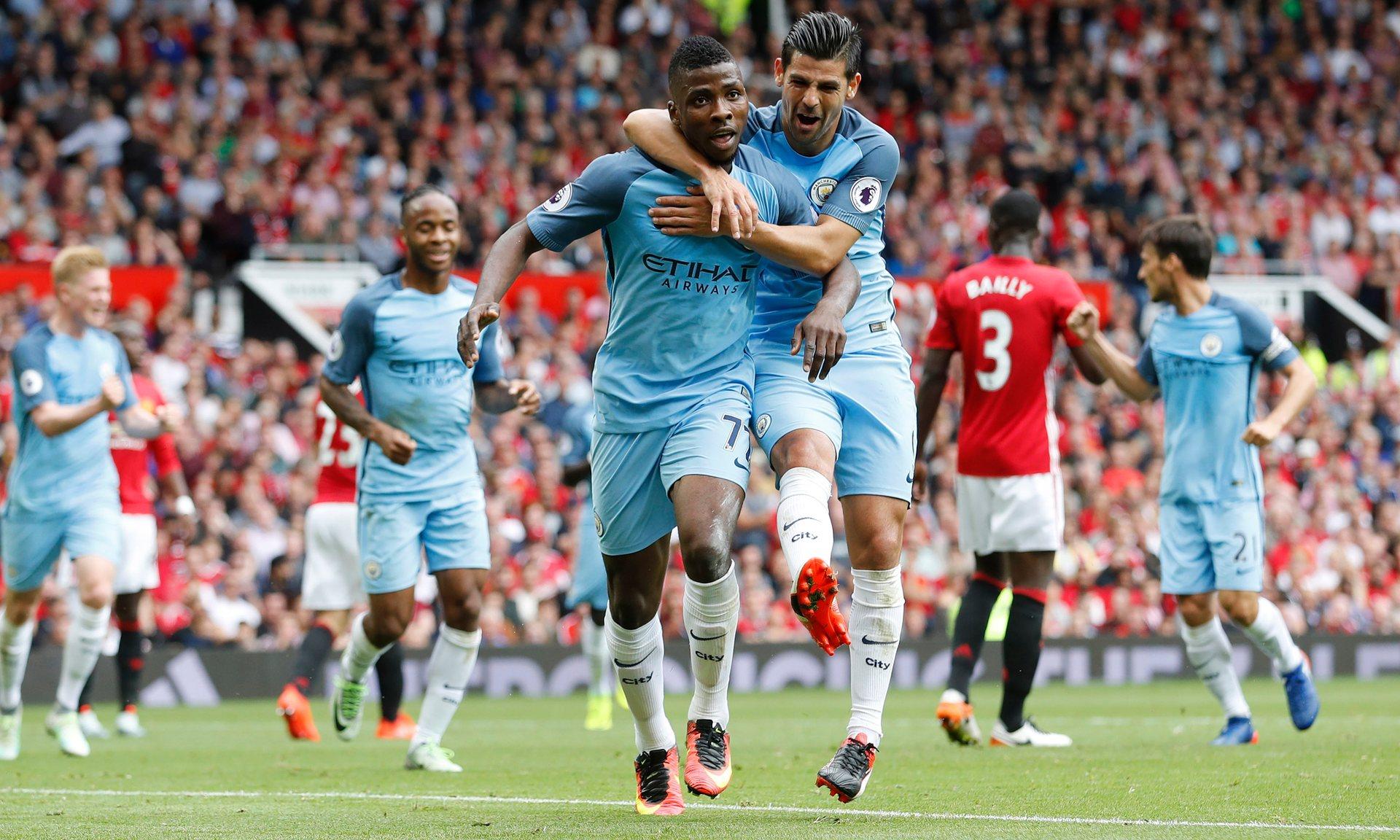 Vince Guardiola, ma che partita: il City passa 2-1 a Old Trafford
