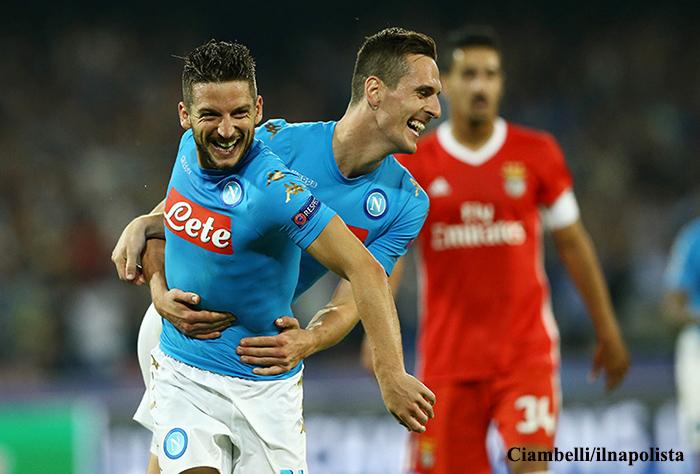 Napoli-Benfica, maglia sudata a Mertens (e non solo per i gol)
