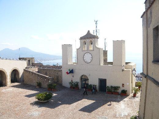 Napoli vista e pensata dalla terrazza di Castel Sant'Elmo