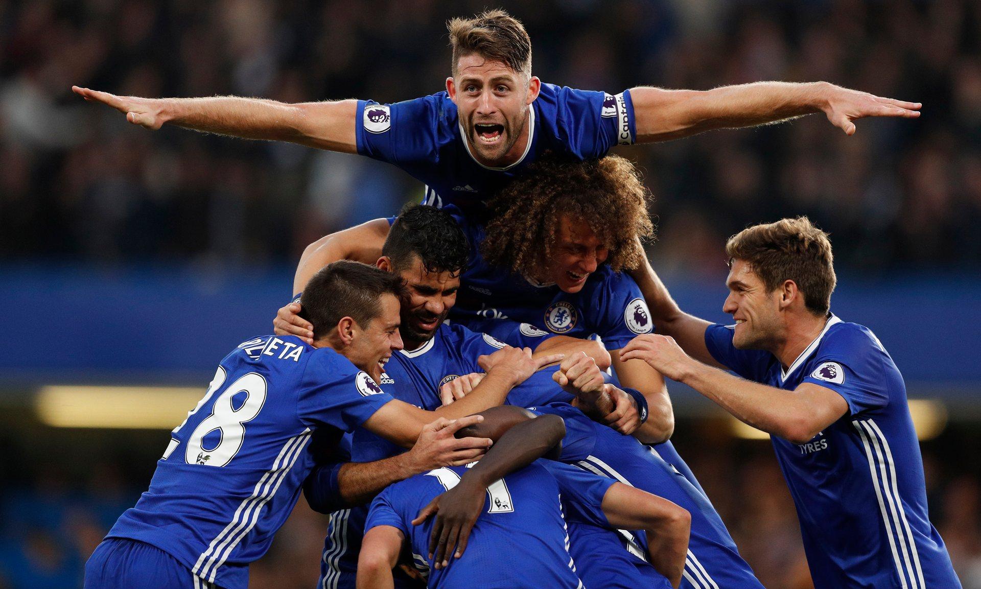 Conte fa l'impresa, Chelsea-Manchester United 4-0. Guardiola non scappa: 1-1 tra City e Southampton