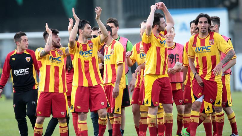 Il Benevento pareggia a Perugia e va in finale contro il Carpi per la Serie A