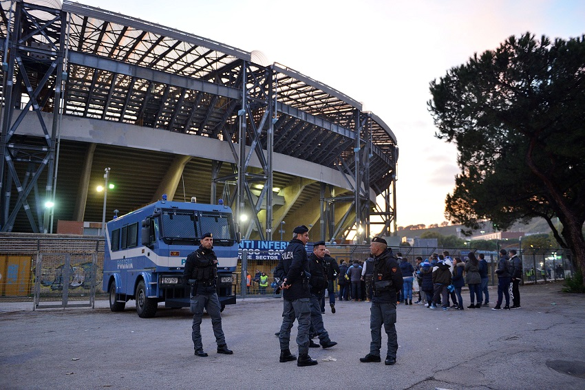 Napoli-Liverpool, l'ordine pubblico risponde ai Reds con centinaia di agenti