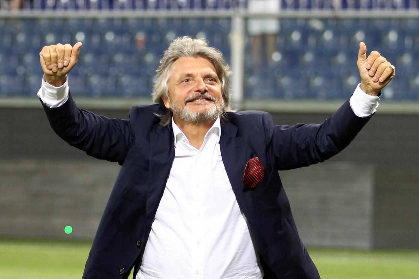 """Dalla curva della Sampdoria """"Abbiamo un sogno nel cuore"""" in segno di scherno"""