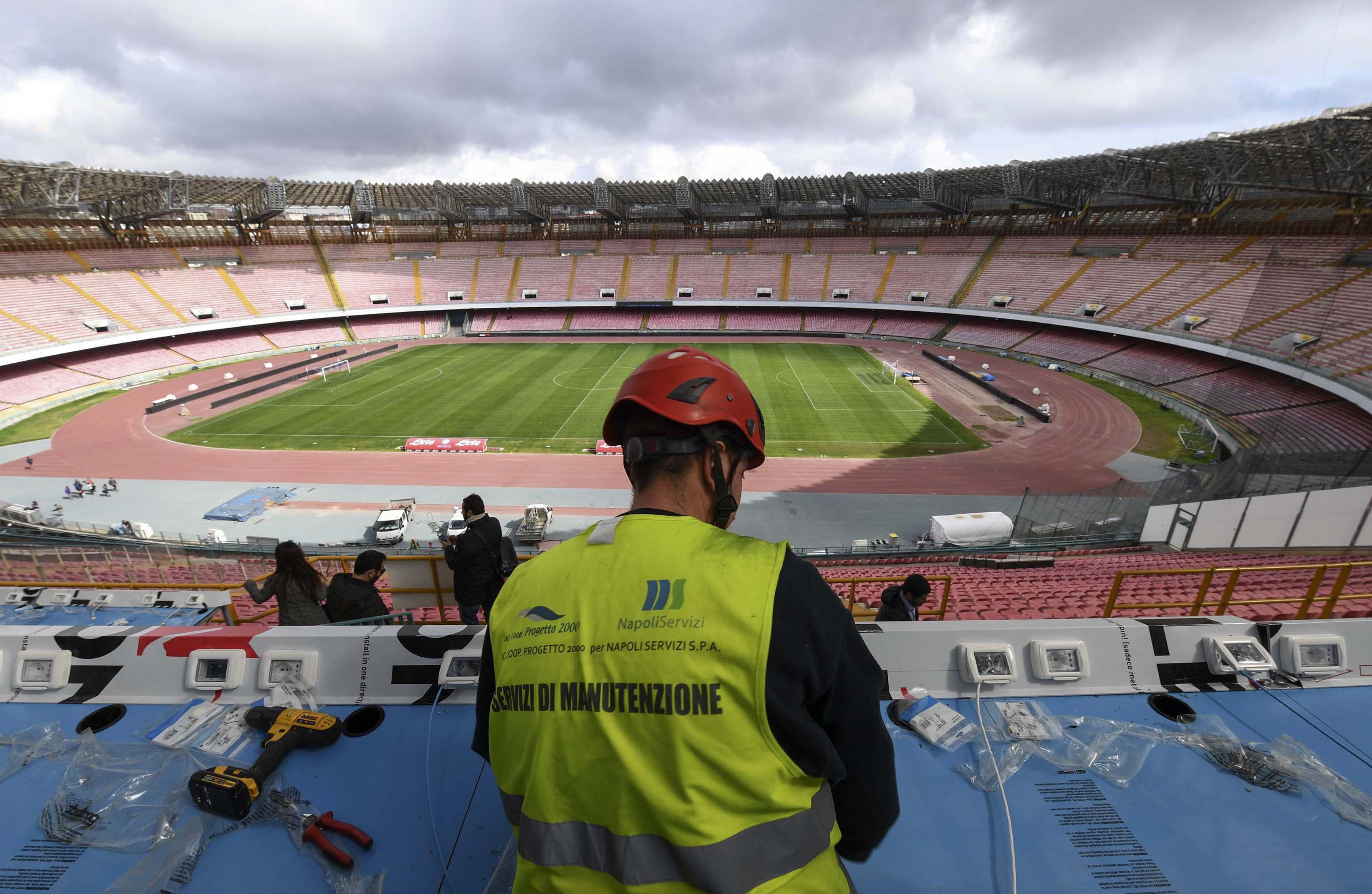 San Paolo, rischio settori chiusi per l'inizio della stagione. Auricchio: «Alternativa è il servizio a tariffa»