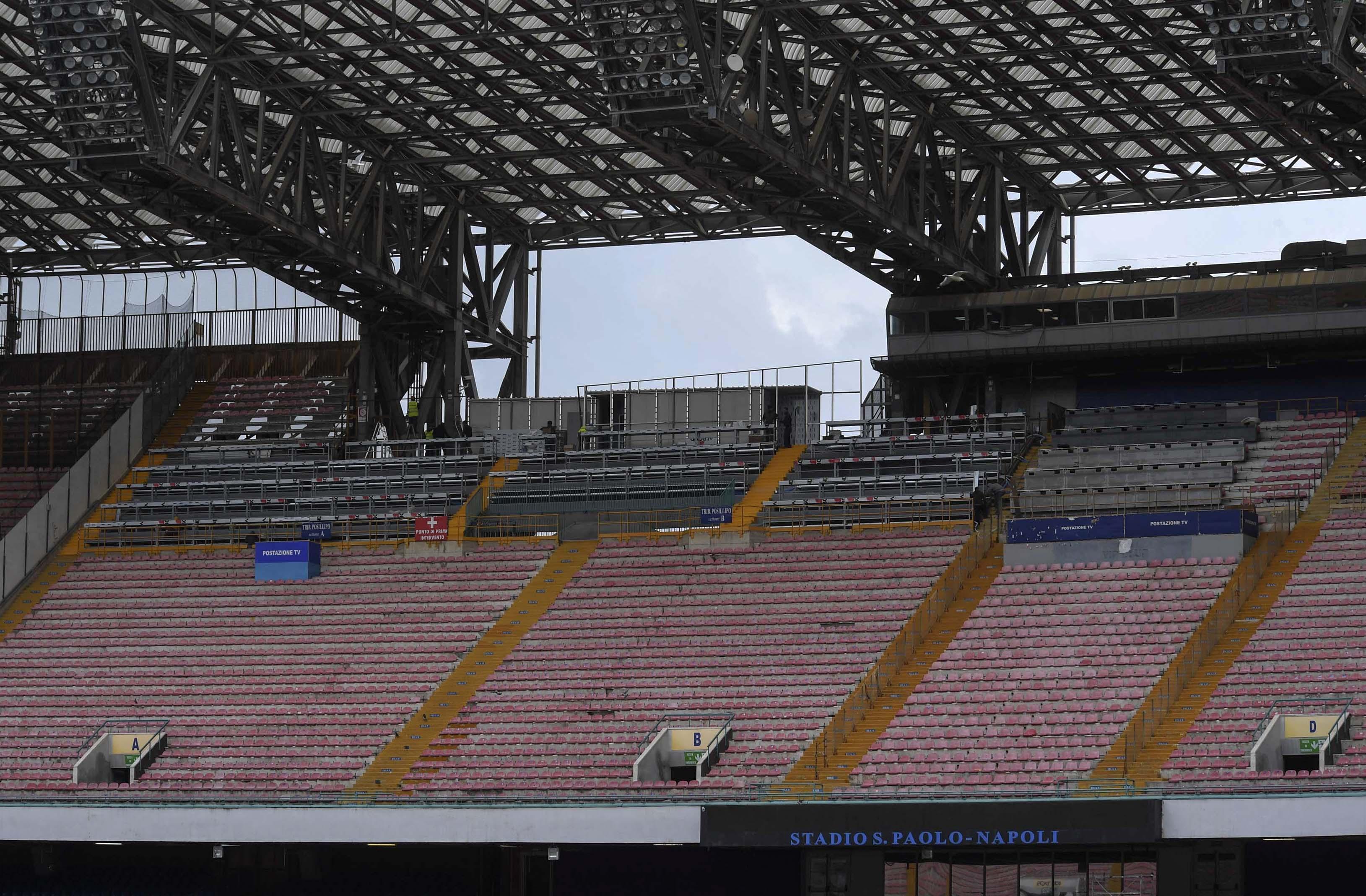 Stadio San Paolo, settori chiusi per i sediolini nuovi. Il Napoli attende per gli abbonamenti