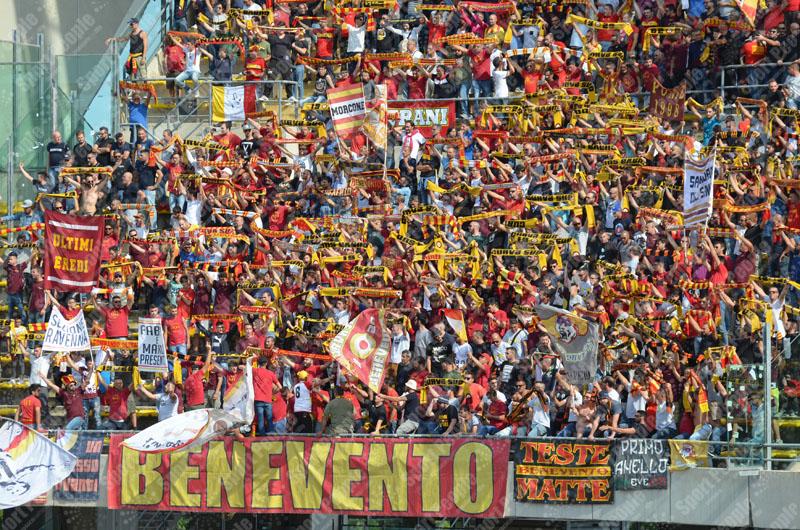 Una sconfitta non ferma il Benevento. Il lungo applauso del pubblico lo conferma