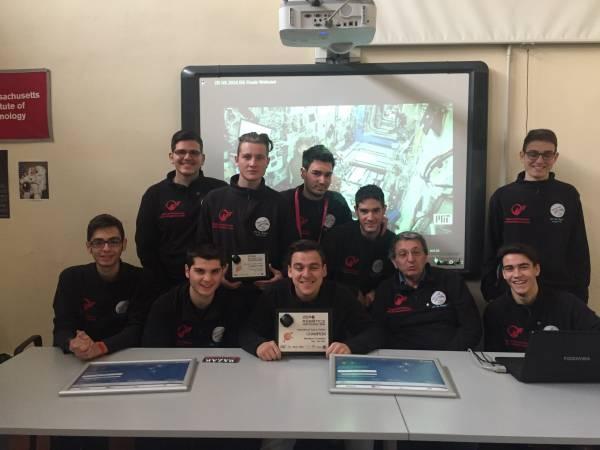 Napoli, gli studenti del Righi che parlanoai satelliti e vincono la gara internazionale di robotica