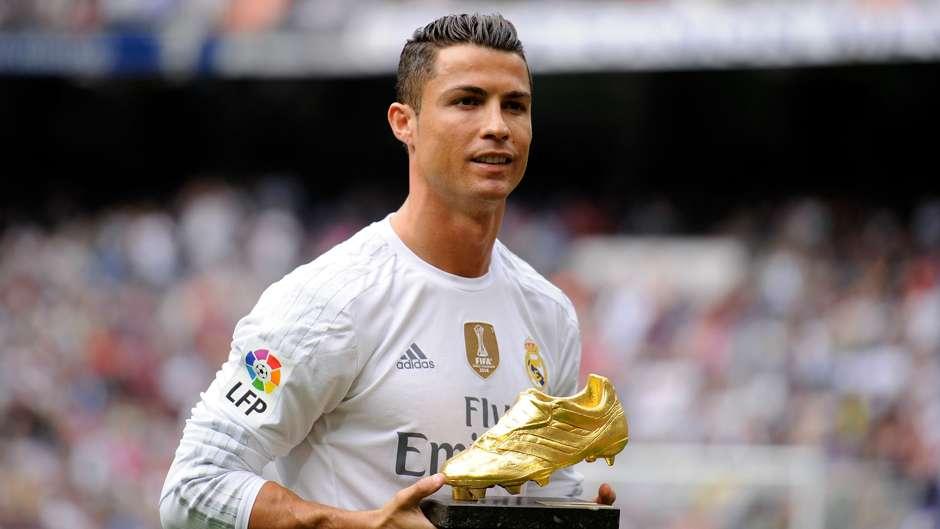 Repubblica: non solo il Napoli, anche il Milan ha provato a prendere Cristiano Ronaldo