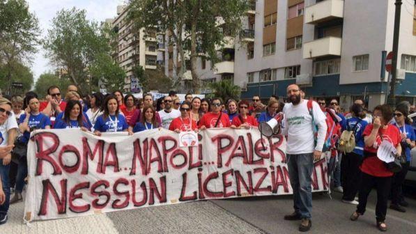 I lavoratori Almaviva dicono sì all'accordo: 547 sì su 690 votanti. Salvi 850 posti di lavoro