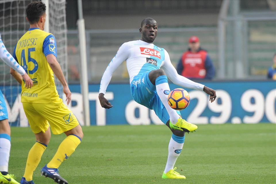 Napoli, vendi Koulibaly e compra un difensore realmente forte