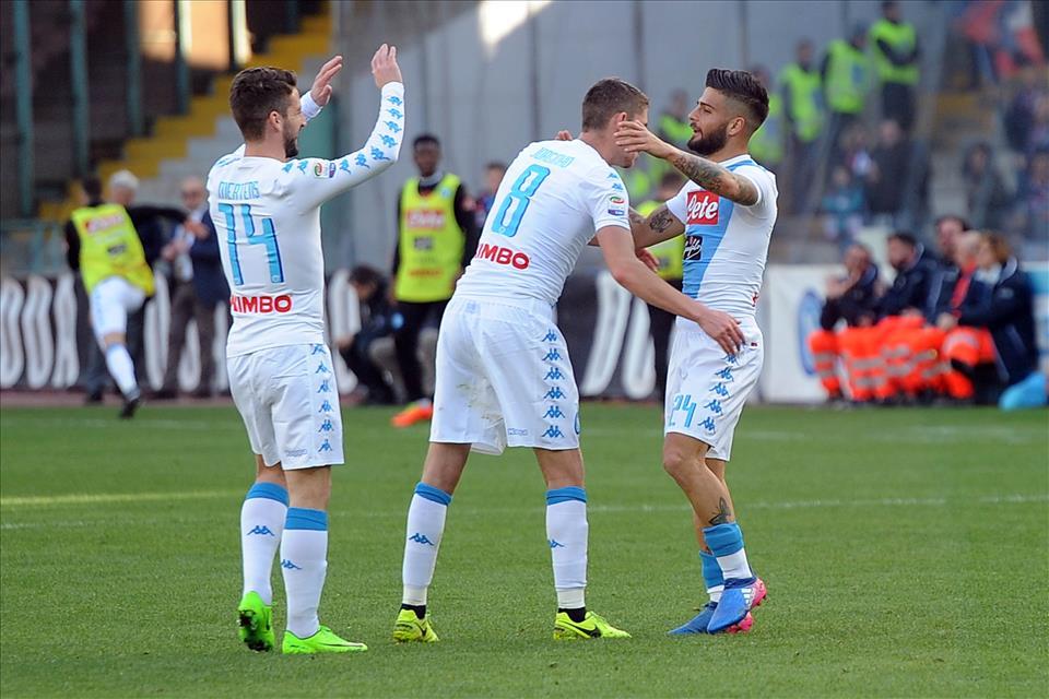Napoli-Crotone sono tre punti appoggiati sul futuro