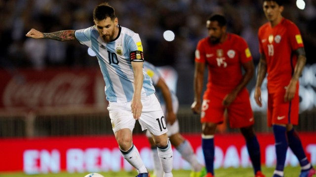 Aiuti arbitrali all'Argentina nel match col Cile, il Clarin scrive: «Non ne abbiamo bisogno»