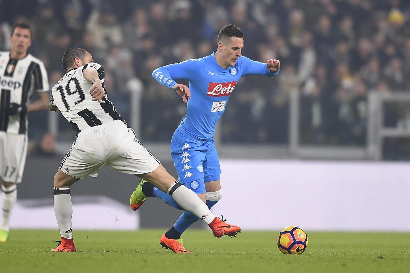Napoli-Juventus è attesa soprattutto mediatica, per strada se ne parla poco