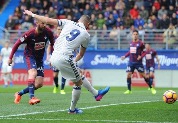 Daily Mail: il Napoli è pronto ad offrire 45 milioni per Karim Benzema