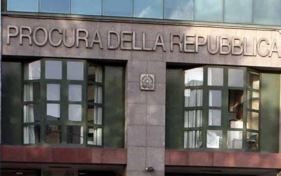 Il garantismo vale per la borghesia napoletana, non per i contadini di Caivano