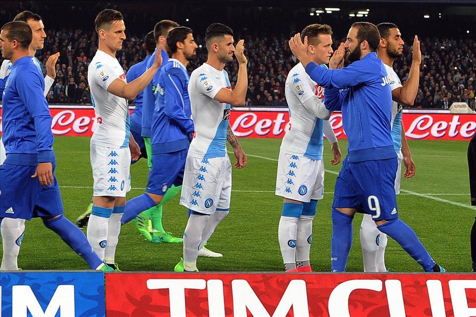 Napoli, le partite di coppa durano 180′ (in attesa dei forum sugli addii di Inler e Pandev)