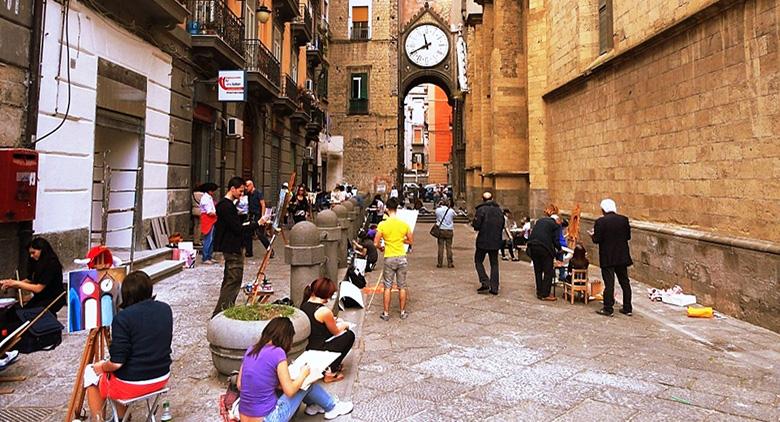 Un concorso di pittura estemporanea per riqualificare lo storico quartiere Mercato