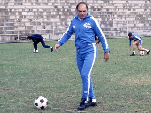 Da Vinicio a Sarri, storie di allenatori e presidenti in un secolo di Napoli