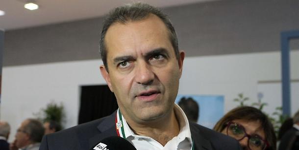 L'ultimo arrivato Paolo Siani detta la linea al Pd: «de Magistris ha cambiato in meglio Napoli»