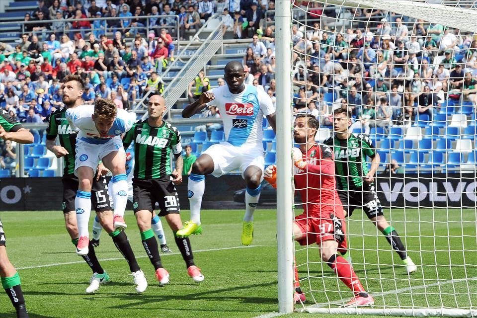 Frena il Napoli, è 2-2 col Sassuolo