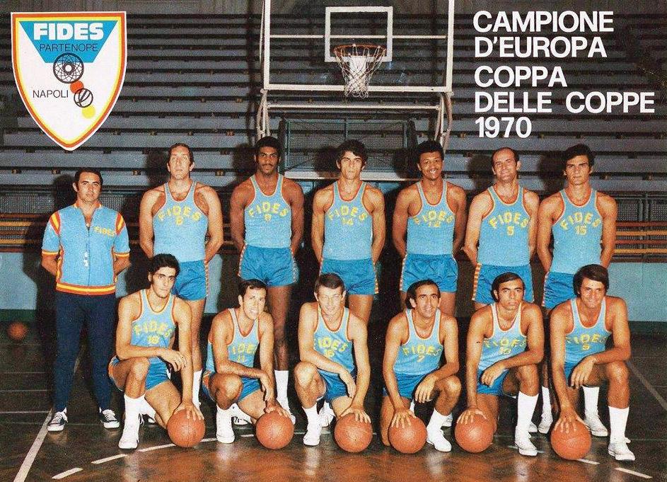 La Fides Napoli conquistò l'Europa e portò la città a parlare di basket nei bar