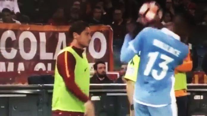 Totti-Wallace, la pallonata che scuote il post-derby (e il web) – VIDEO