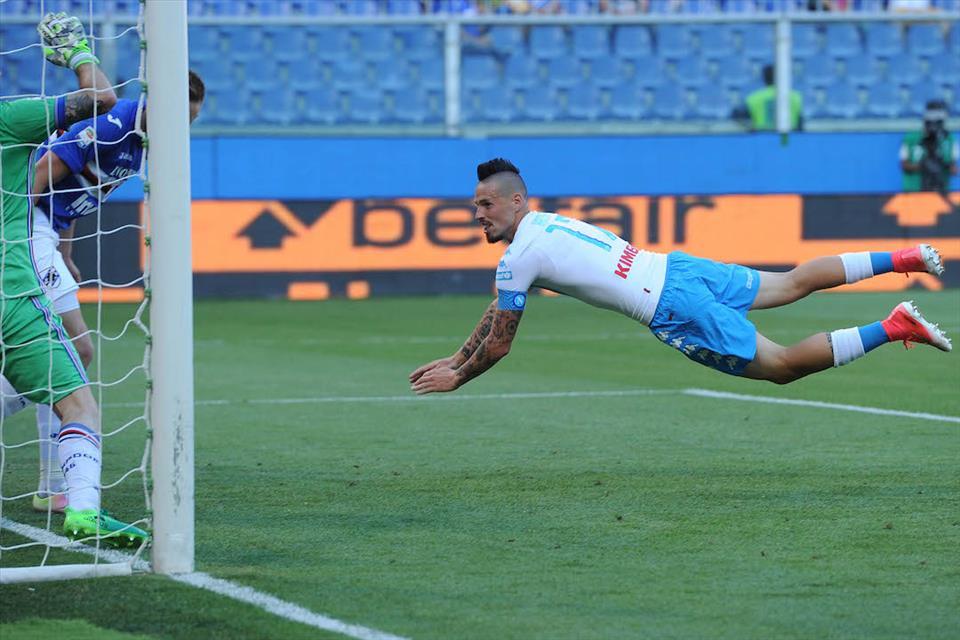 I lati positivi di un Napoli da record, in attesa dello spalla a spalla