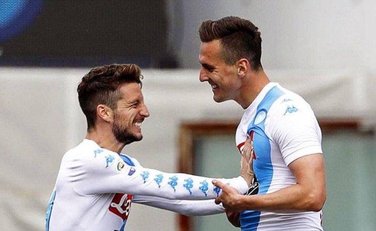 Chi sarà il prossimo centravanti del Napoli: Mertens o Milik?