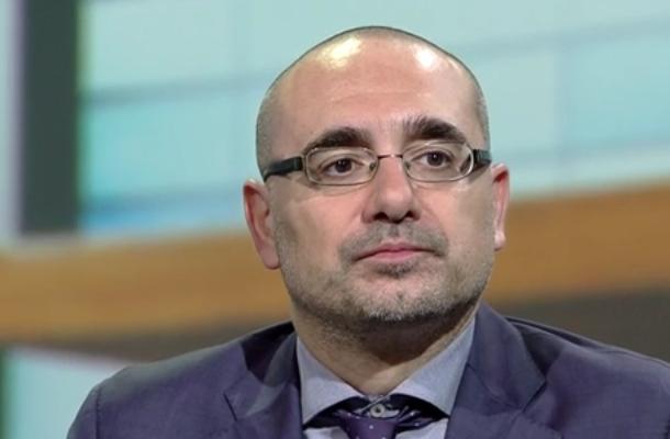 Bellinazzo, l'idolo dei papponisti, elogia la Juventus per le plusvalenze
