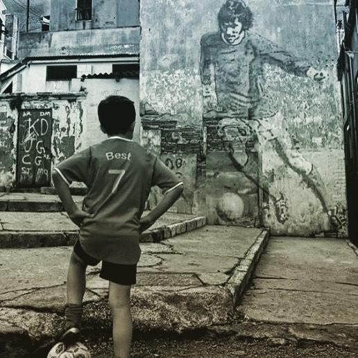 Risultato immagini per calcio di strada