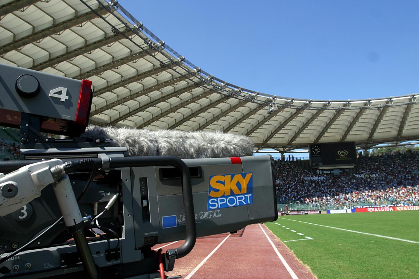 Scontro Sky-Gazzetta per le parole di Tebas. Il direttore Monti: «Malizioso parlare così di Cairo»