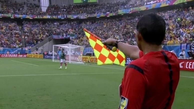 """""""Estan arruinando el futbol"""": il fuorigioco ai tempi della Var (e di Zenone)"""