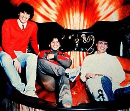 """Il Fatto: """"la polizia trovò le foto di Maradona con i Giuliano nell'87, rimasero nascoste due anni"""""""