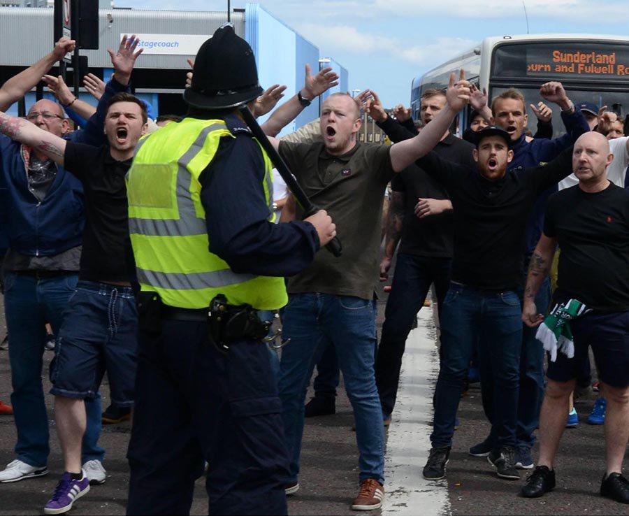 Il pomeriggio caldo a Sunderland tra l'estrema destra e i tifosi del Celtic