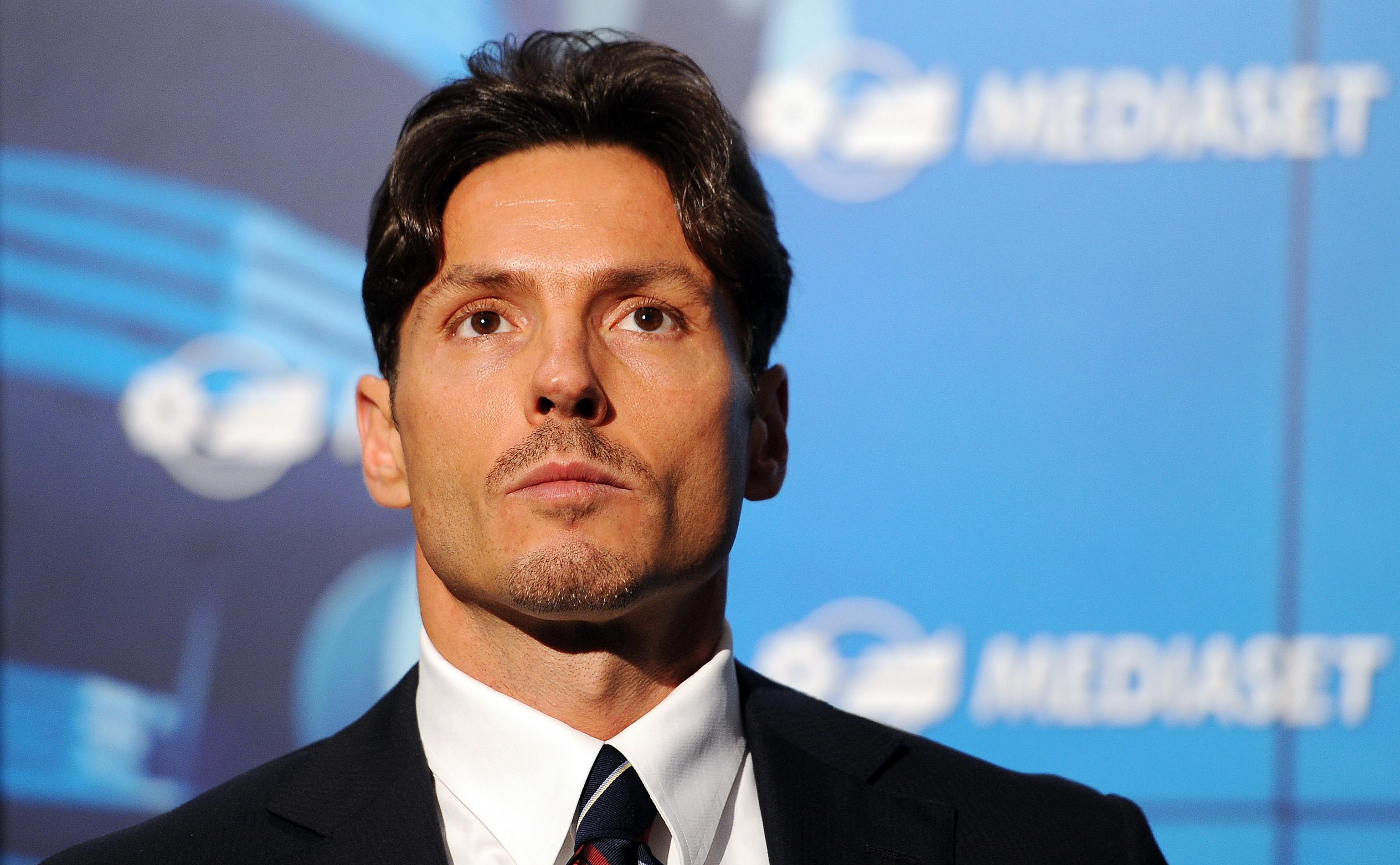 Diritti tv, Mediaset: «Non è esclusa la cessione della Champions a Sky da subito»