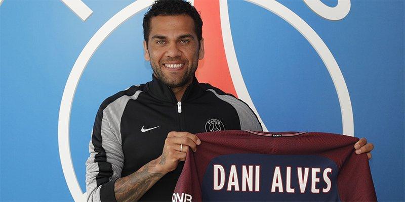 Dani Alves è ufficialmente un giocatore del Paris Saint-Germain