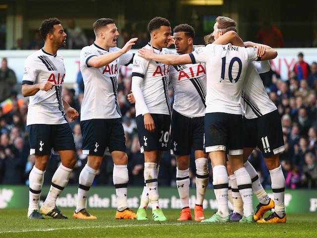 Dall'Inghilterra: Facebook avrebbe offerto 1,1 miliardi di euro per comprare il Tottenham