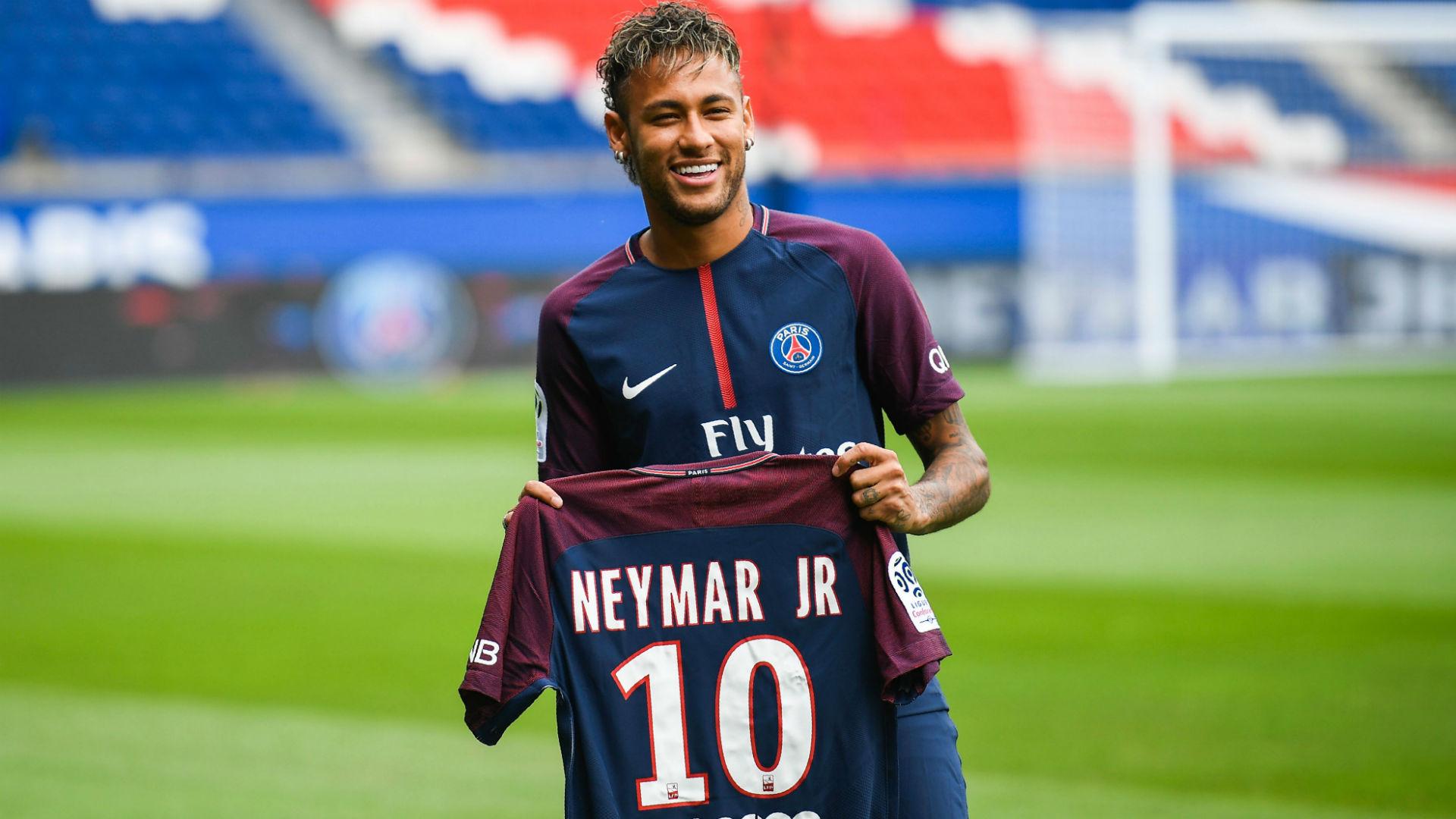 L'Equipe: Neymar resterà al Psg, la confessione ai giornalisti brasiliani