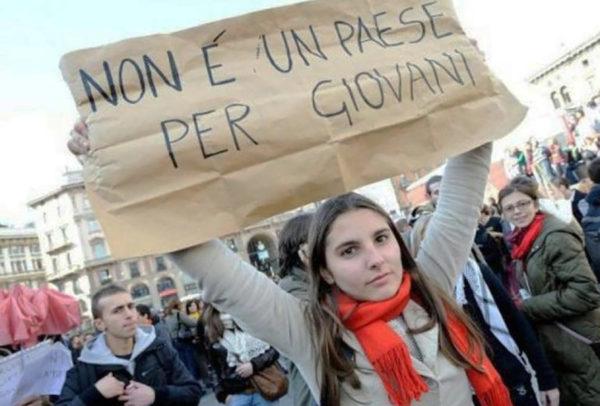 """La fuga di ventenni da Napoli, Paolo Frascani e quei """"sabato sera"""" della nostalgia"""