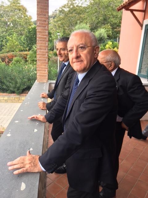 De Luca: «Ancelotti sbaglia. Senza la Regione, il San Paolo sarebbe caduto a pezzi»