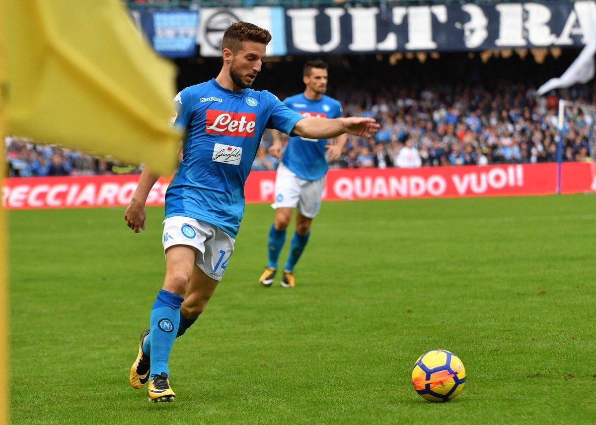 Napoli-Bologna 3-1, la rimonta dopo la paura: doppio Mertens, Juve ricacciata
