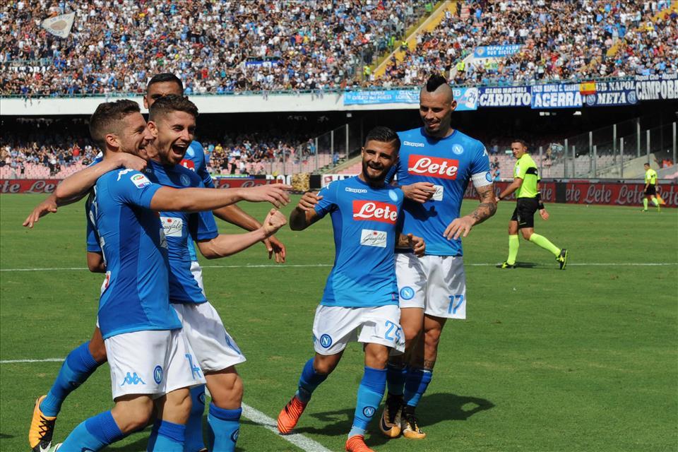 Il Napoli vince in ogni modo, con cinismo o leggerezza. E anche col bel gioco