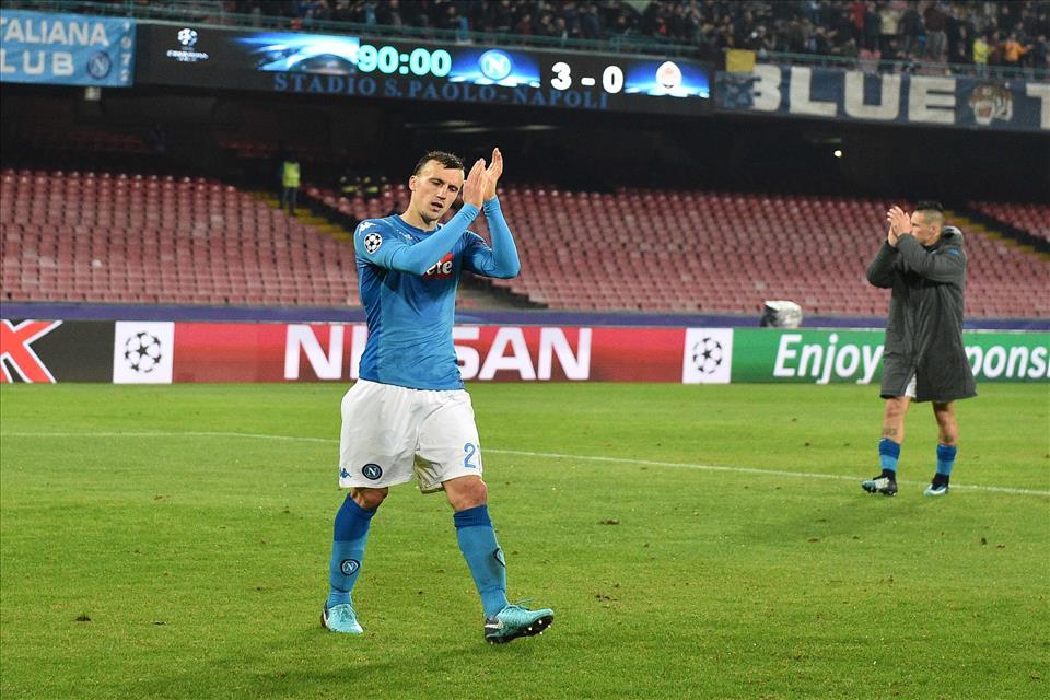 L'annuncio del Napoli: Chiriches rinnova fino al 2022