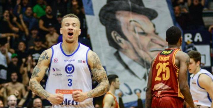 Il Napoli Basket vince la paura e la prima partita in A2: sconfitta Roma 83-78