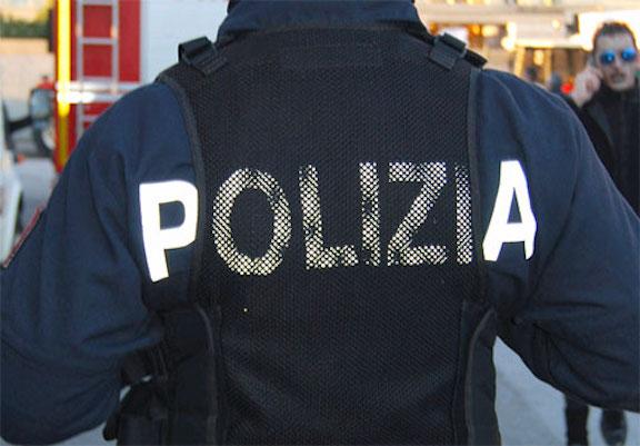 Napoli, tre tifosi del City aggrediti sul Lungomare. Ferito un ristoratore