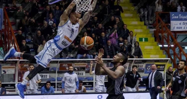 Cuore Napoli Basket-Rieti 77-78, va male lo scontro salvezza (in attesa di Bucchi)