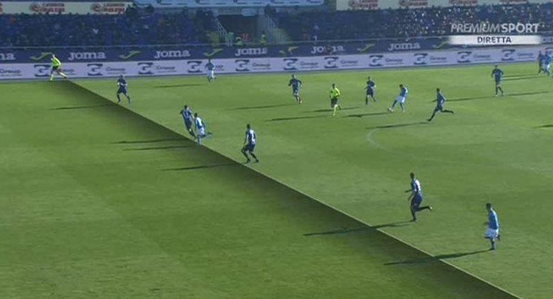 La moviola della Gazzetta «Mertens-gol, non c'entra il Var: per pochi centimetri decide l'assistente»