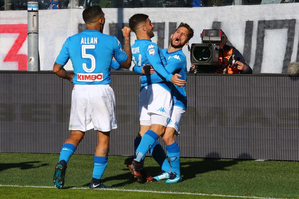 Atalanta-Napoli 0-1, pagelle / I guanti di Reina, l'assist di Callejon e il tiro di Mertens